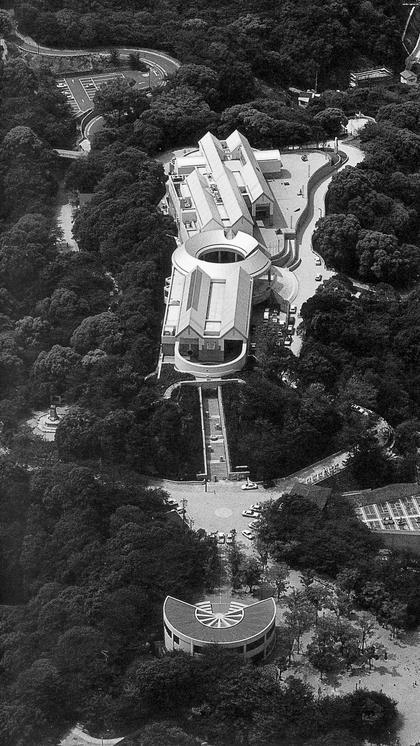 К.Курокава. Музей современного искусства (Хиросима, 1988 г.)