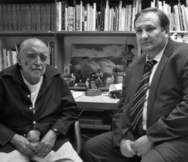 Вильковский Михаил Борисович (справа) и классик мировой архитектуры Оскар Нимейер в мастерской Оскара Нимейера. Рио-де-Жанейро, 2007 год